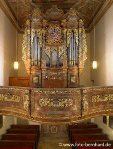 Fotografie mit Hochbildstativ in Kirchen